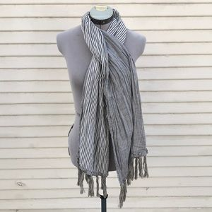 Gilded age cotton gray stripped tassel scarf uni